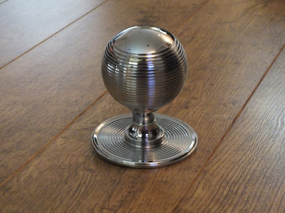 Reeded Centre Door Knob
