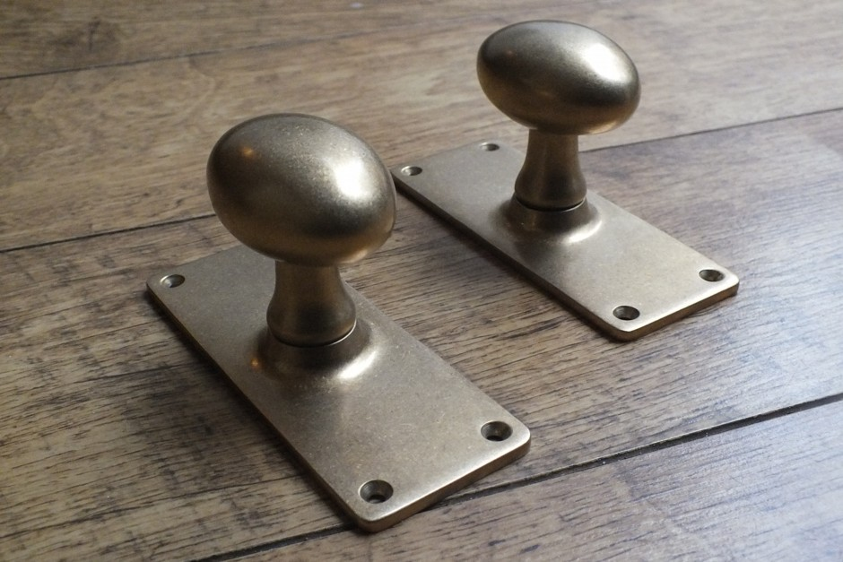High Quality Victorian Door Knobs On Plate